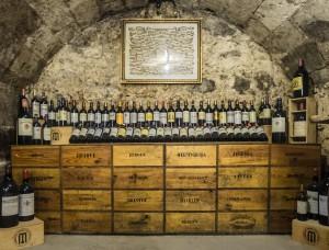 Las vinotecas simulan el ambiente de una bodega.