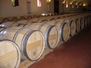 Imagen. Barricas que contienen vinos tranquilos en su interior