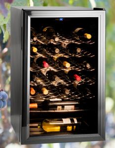 Imagen. Una buena Vinoteca es necesaria si no tenemos condiciones adecuadas de luz y temperatura en casa.