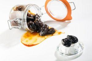 Imagen. Una cocina saludable para la monastrell. Ciruelas pasas con hueso