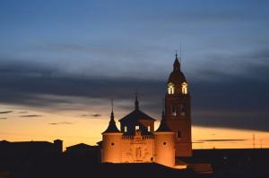 Imagen. Iglesia de Rueda al atardecer. Categoria Patrimonio. Ruta del  Vino de Rueda