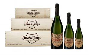 Imagen. Juvé & Camps presenta su cava estrella, el Reserva de la Familia, en tres formatos con la clásica caja de madera.