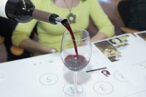 Imagen. Cata de vino. Feria del Vino y la Aceituna de Extremadura