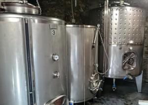 Imagen. Depósitos de Inox en las instalaciones de Bodegas Vehemencia