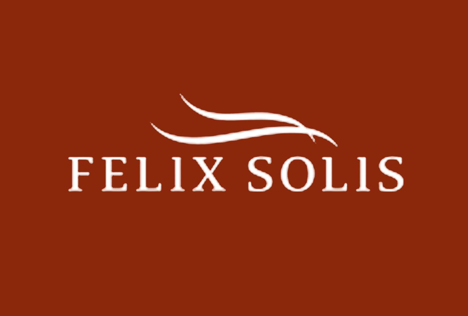 Félix Solís Avantis logra 25 medallas.