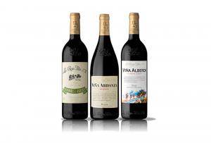 En las fotos los vinos están en posición vertical pero en nuestra bodega siempre en posición horizontal.