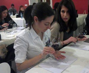 La Ruta do Viño Rías Baixas celebró con gran éxito una Cata entre Amigos con vinos tintos en Pontevedra.