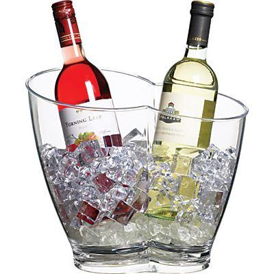 Enfriar vino con hielo y agua